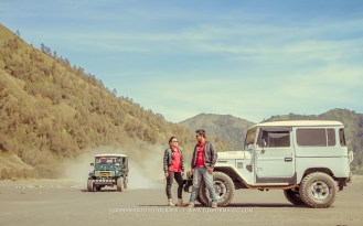 foto prewedding jeep bromo