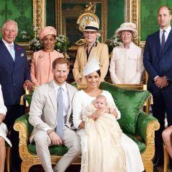 Una ausencia en el bautismo del hijo de Meghan Markle y el príncipe Harry abre la grita en la familia real