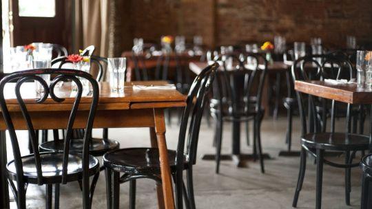 El consumo en gastronomía cayó más del 60 por ciento