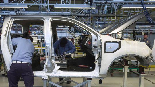 La producción automotriz local cayó 16,5 por ciento en febrero