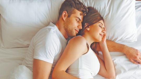Cómo descansar en el embarazo