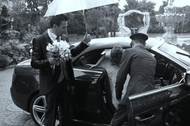 """Matrimonio estivo, il rischio di pioggia è piuttosto frequente. L'importante è avere sempre un piano """"B"""". #matrimonioconpioggia #matrimonioestivo."""