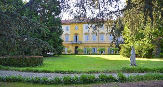 Villa Malfatti, San Giorgio (To), la facciata. e il parco