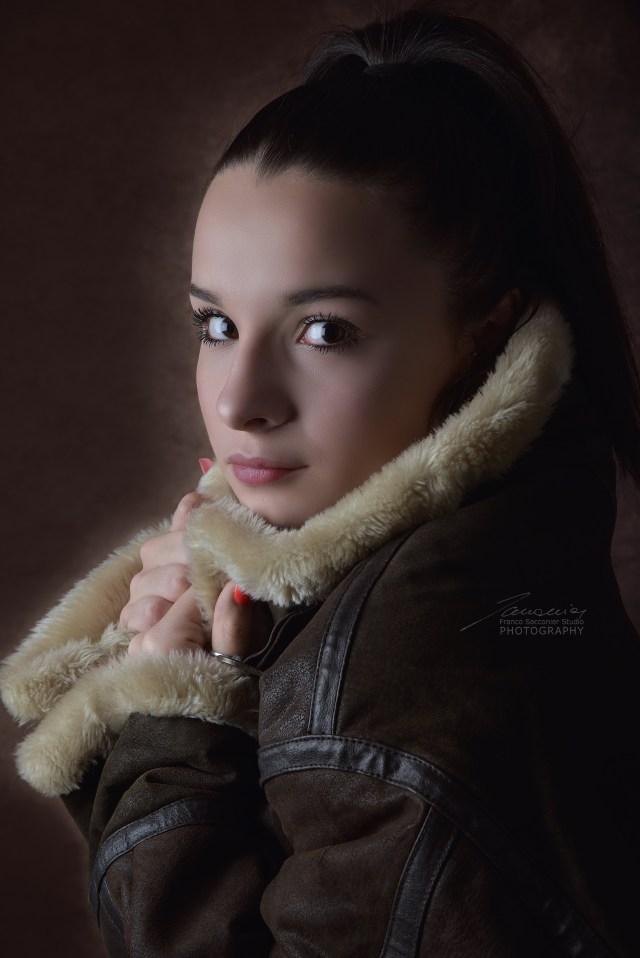 Lo sguardo intenso di Rebecca Trucano