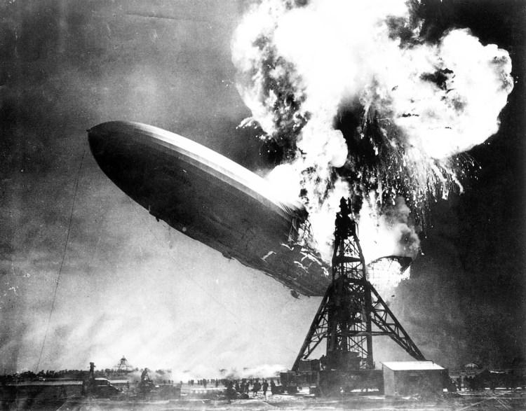 Catástrofe del Hindenburg - Herb Morrison - 1937