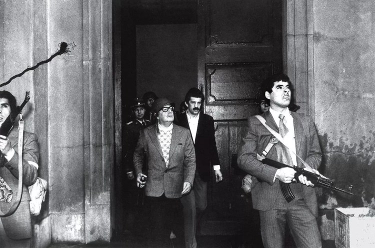 """La última parada de Allende"""" (Luis Orlando Lagos, Chile, 1973)"""