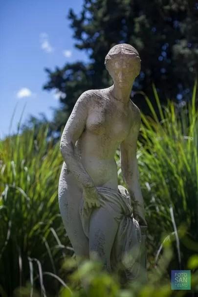 Foto de una estatua del jardín botánico de Buenos Aires