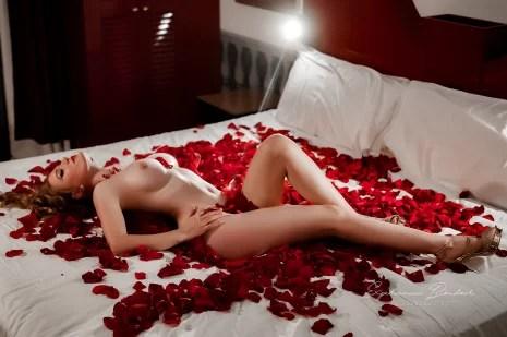Desnudos de famosos en cuarentena 1