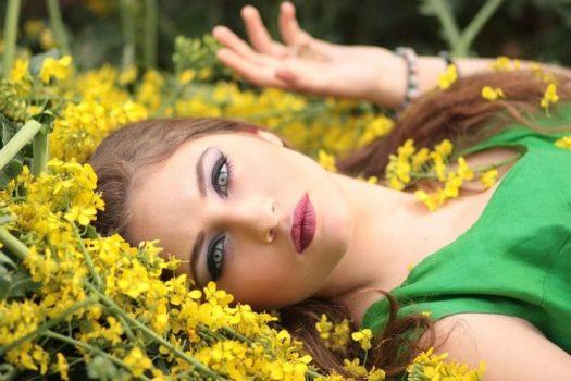 Trendfarben 2018,Gelb,Model,Schonheit,Schön,Frau,Fotoshooting
