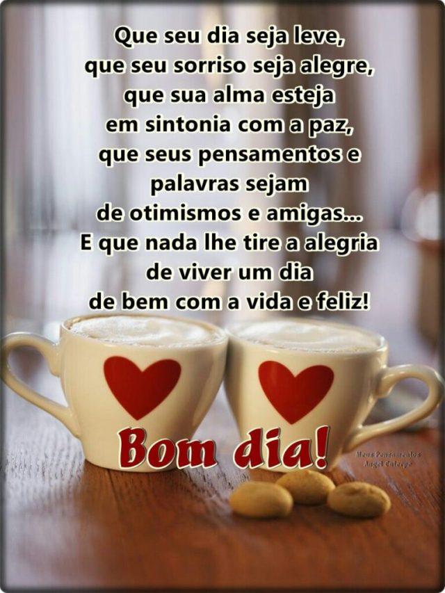 Bom dia com xícaras de café em forma de corações! Imagens gifs de bom dia carinhoso