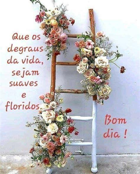 Degraus floridos de um bom dia