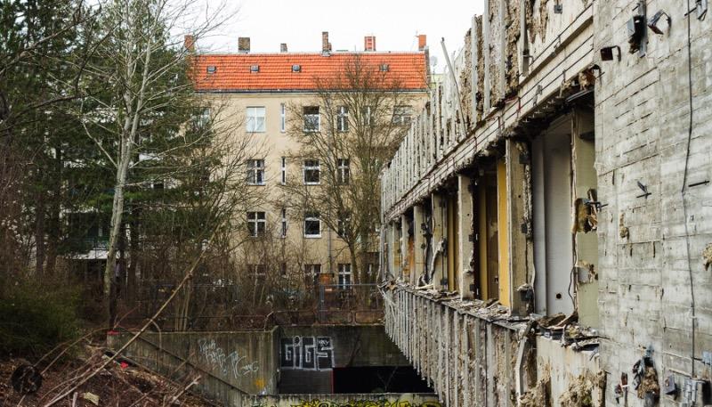 Abandoned Hospital Neukolln + Urban Exploration Berlin_25