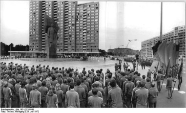 In April 1970, a few days before Lenin's 100th birthday, his statue was inaugurated by the chairman of State council, Walter Ulbricht. More than 200,000 people were there to see the ceremony and I can only imagine how this event went by.