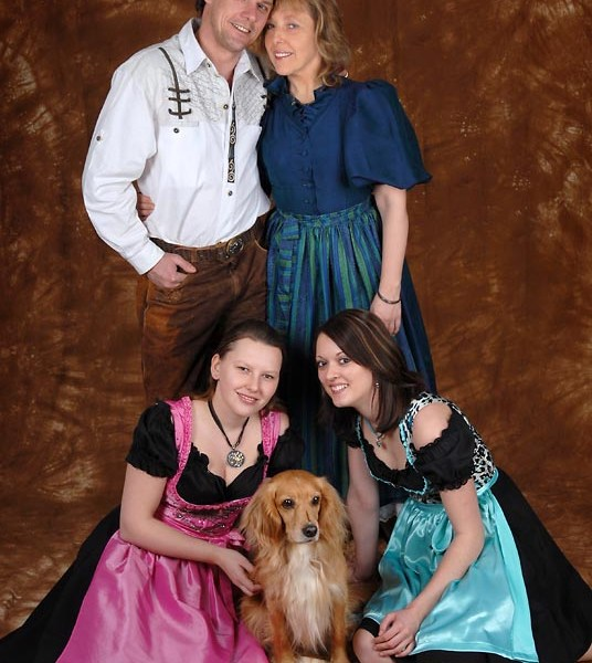 Familienshooting im Fotoateilier: Schöne Familienfotos in München