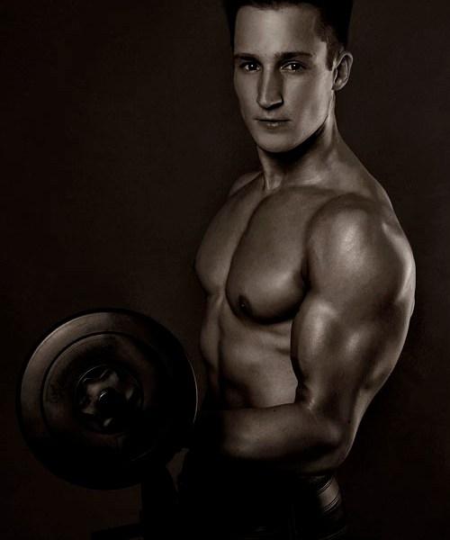 Portrait eines Sportlers im Fotostudio München: Fotoshootings für Sportler