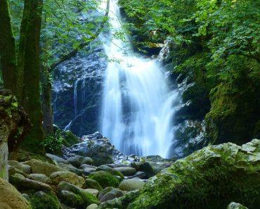 Ruta a la cascada de Xorroxin. Pequeño sendero cargado de naturaleza