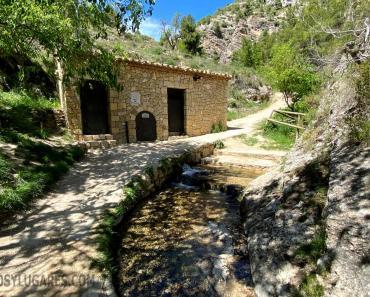 Ruta por el Barranco de los molinos de Ibi. Paseando por un precioso paraje natural