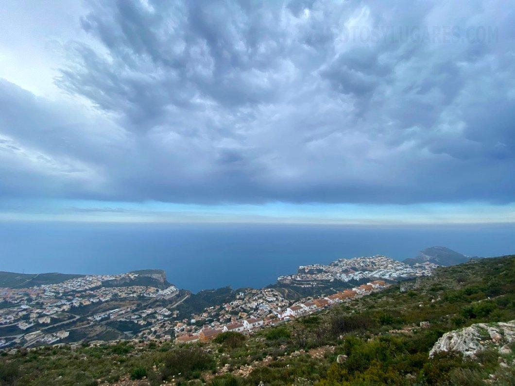 Impresionantes vistas de la costa y el mar Mediterraneo