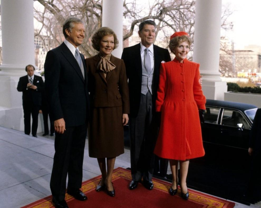 Нэнси и Рональд Рейган (справа) и Розалин и Эми Картер