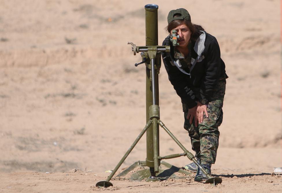 Военнослужащая Демократических сил Сирии