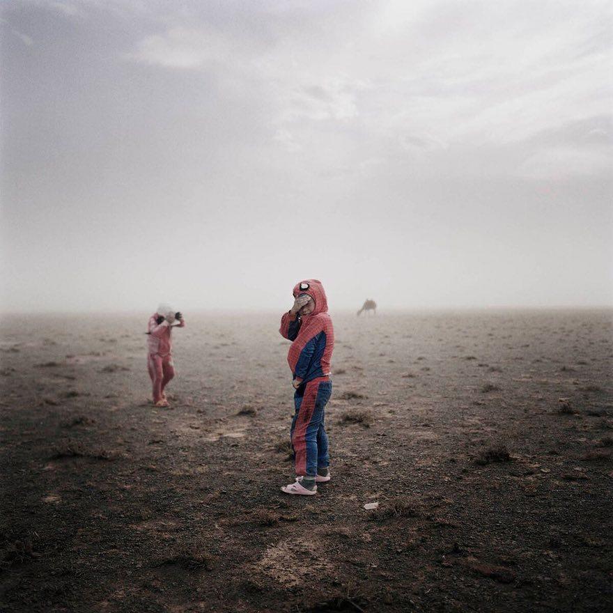 Дети в пустыне