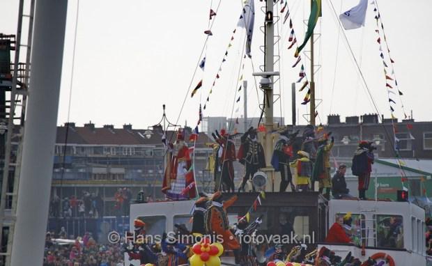Sinterklaas in Scheveningse haven start rijtoer
