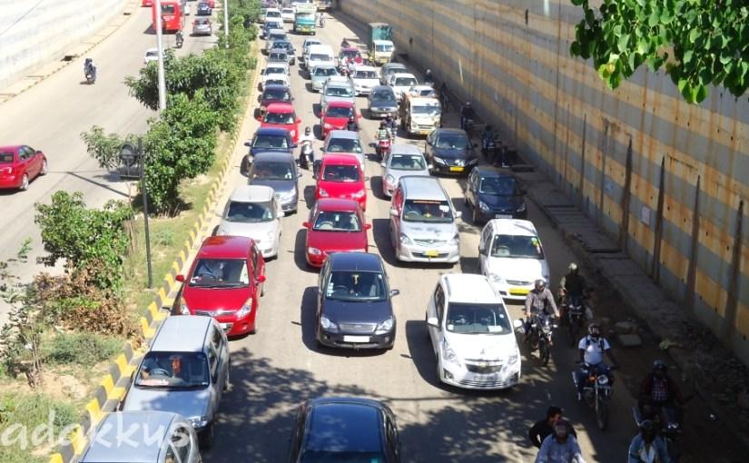 Shocking! Orderly Traffic Jam at Marathahalli!