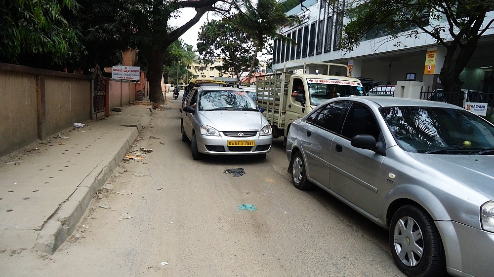 Picture of a vehicle breaking rules in Bangalore causing Traffic jams