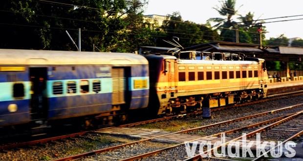 Guwahati Trivandrum Express near Aluva with ED WAP4 22221