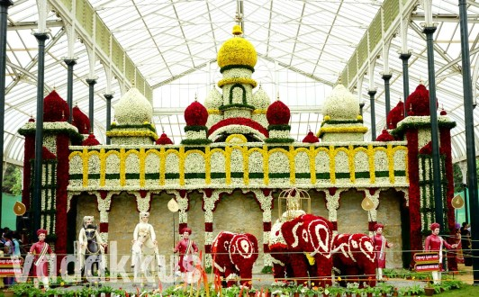 "The ""Flower Palace"" at the Bangalore Lalbagh Flower Show 2014"