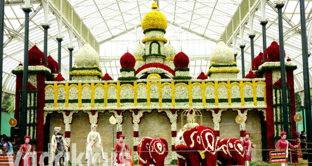 Picture of the model of the Mysore Palace made using flowers at the Bangalore Lalbagh Flower Show August 2014