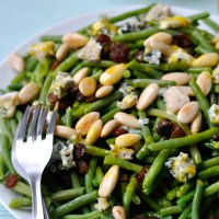 Salade Haricots Verts,Amandes,Bleu & Raisins Secs (Vinaigrette Miel,Moutarde,Curcuma)