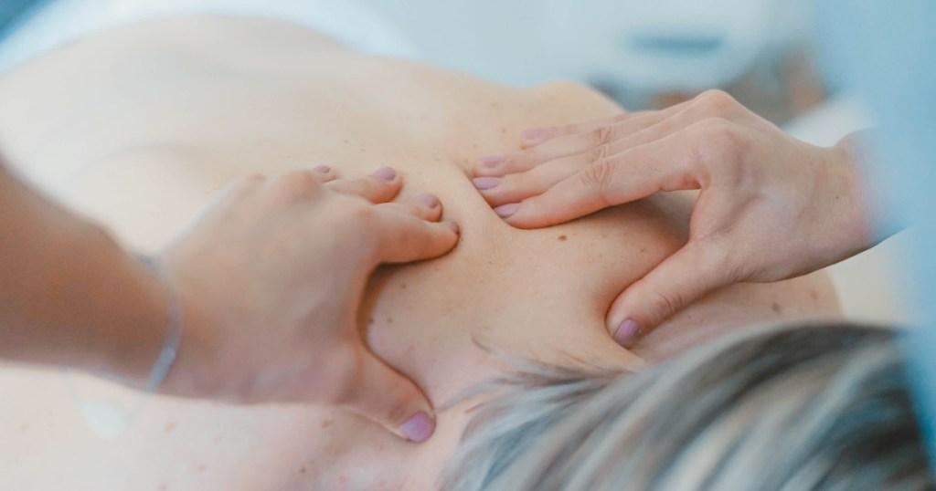 Θεραπευτική μάλαξη: Εφαρμογές και οφέλη για τους ασθενείς