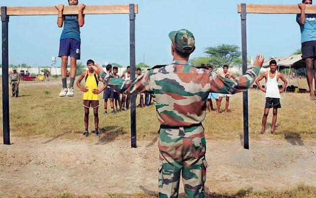 भारतीय सेना की रिटायरमेंट सर्विस 15 वर्ष से बढ़कर 20 वर्ष होने में जवानों को क्या फायदा तथा नुकसान होगा।