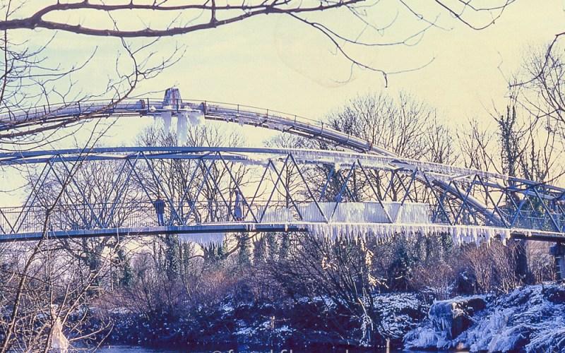 Radyr footbridge in Winter