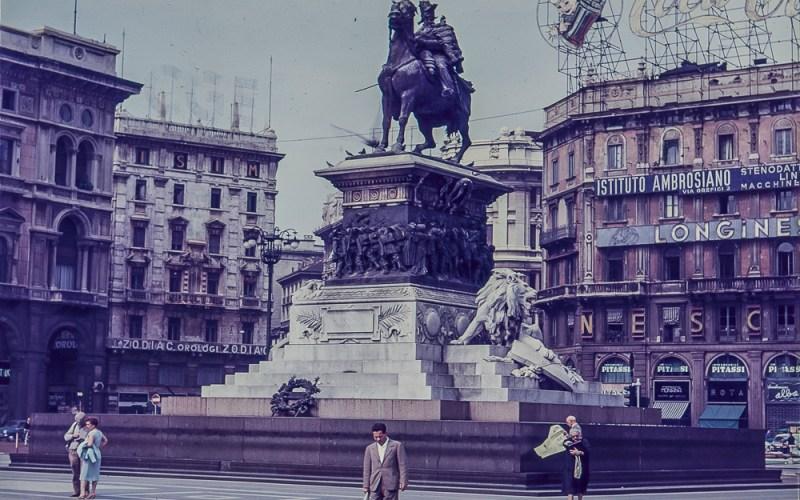 War memorial in Square