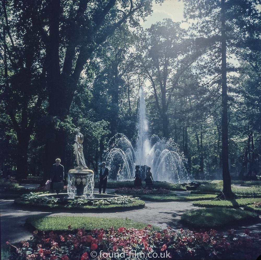 Images from Soviet era Leningrad - Gardens at the Peterhof fountains