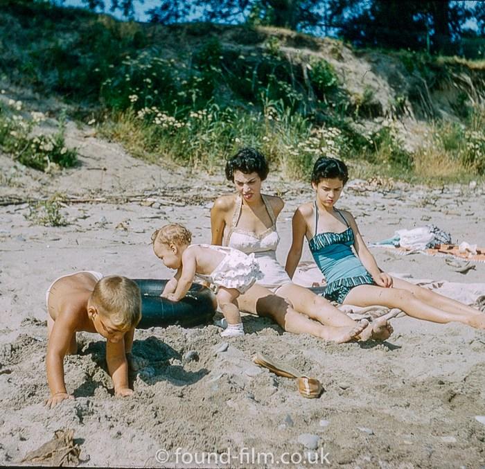 kodachrome red border colour slides - Women and children on a beach