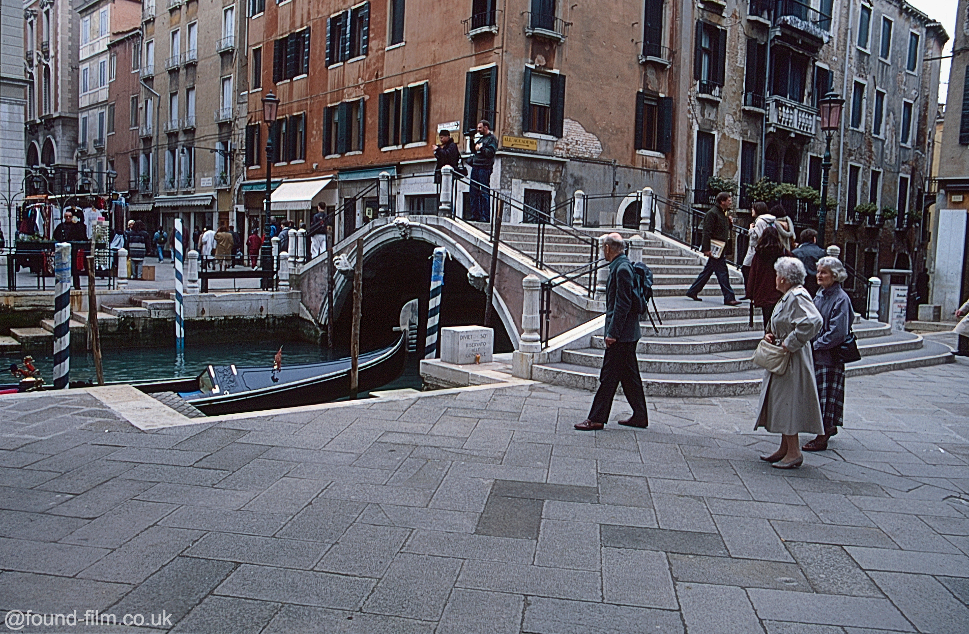 Snapshots in time: Pictures of Venice in 1996