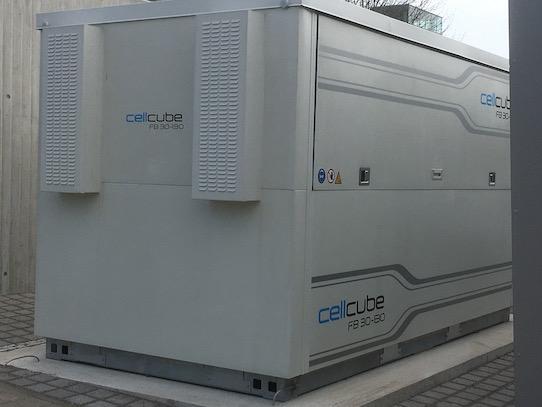 Überschüssige Energie kann in dieser Batterie zwischengespeichert werden. Foto: Stephan Hönigschmid