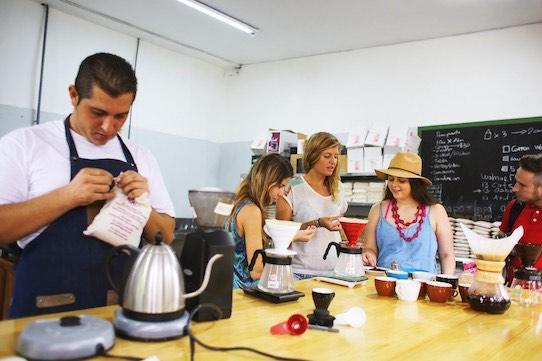 Beliebt sind in Costa Rica auch die Besuche auf einer Kaffeefarm. Foto: Subcultours/PR