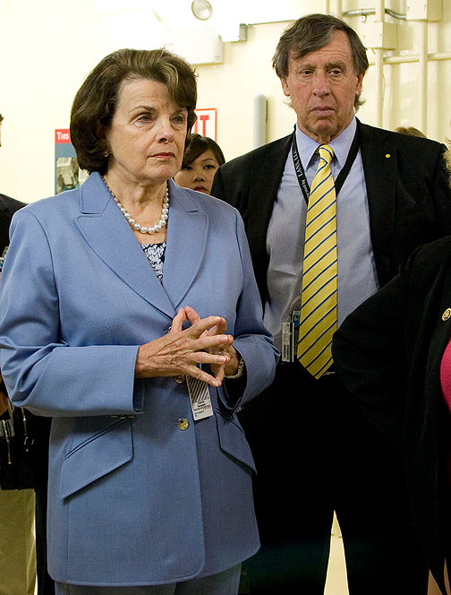 Image:Sen-Dianne-Feinstein-UC-Regent-Chairman-Richard-Blum-listen-as-National-Ignition-Facility-Director-NIFdedication 06 high res.jpg