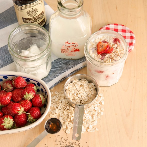 This classic recipe for no-cook overnight oats offers meal prep convenience and is loaded with fruit, fiber, and protein-packed staying power!