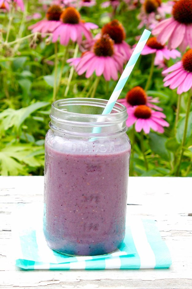 5-Ingredient Very Berry Smoothie (and make-ahead smoothie packs)