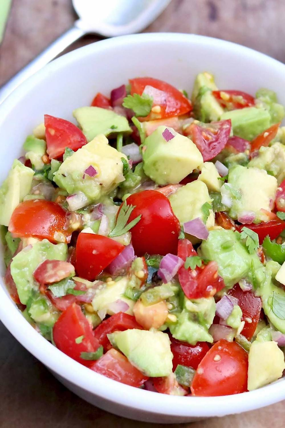 Avocado Tomato Salsa – This super simple salsa adds flavor and flare to chicken, fish, beans, salads, and eggs. Or use it in place of guacamole in your favorite south-of-the-border recipes or as a dip with tortilla chips!