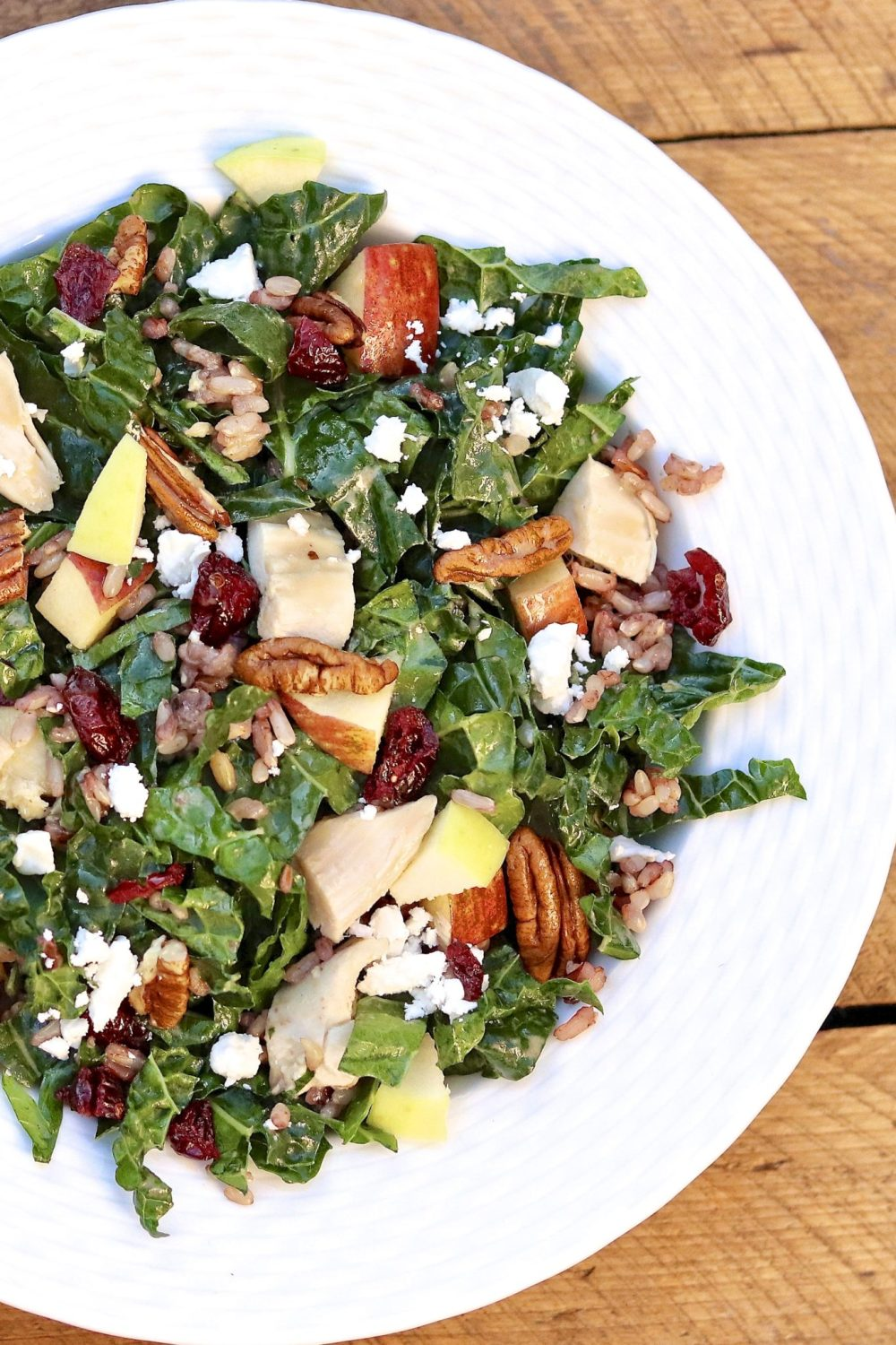 Turkey (or Chicken), Kale & Wild Rice Salad is a healthy, super satisfying way to turnleftovers into a complete meal. Perfect for a post-holiday detox or clean eating (that tastes great!) any time of year.
