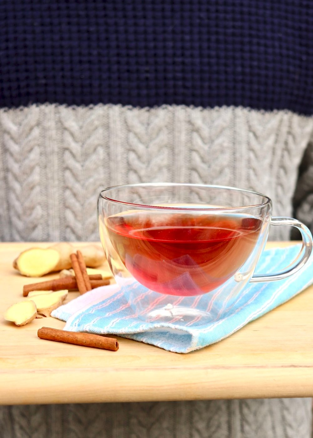 Healing Ginger Tea -Simmer a potful of this delicious elixir at the first sign of a sore throat or stomach woes. Soothing,therapeutic,and 100%caffeine-free.