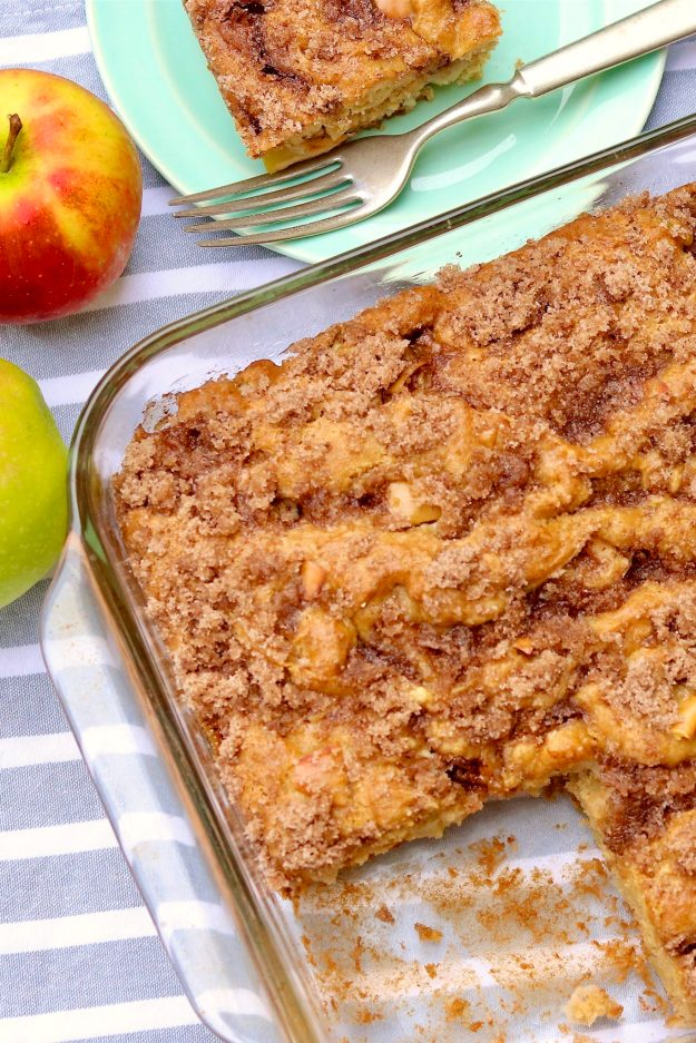 APPLE CRUMB CAKE - a go-to dessert for fall and winter, from holiday meals and casual entertaining to easy weeknight desserts-AND it passes as coffee cake!