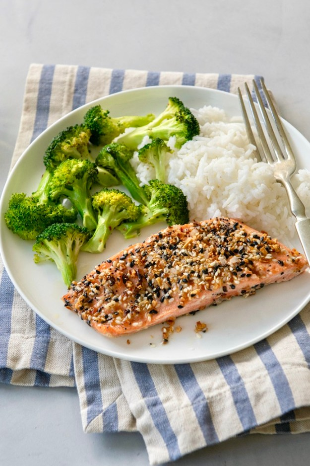 When used on salmon, the classic bagel coating provides crisp crunch and great flavor for a super speedy meal the whole family will love!