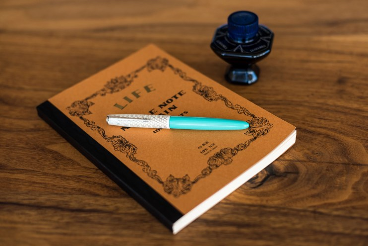 fountain pen photography camera depth of field